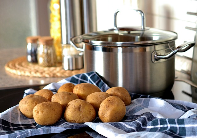 hrn, utěrka, brambory