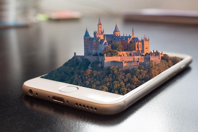 mobil s hradem